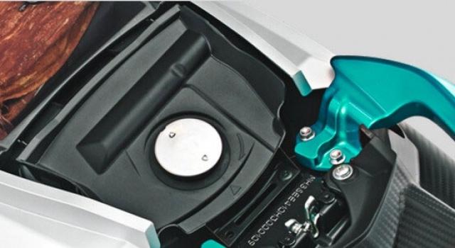 Tanki bensin 4.2L